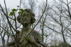 Eternity (Rouge Visual) Tags: cemetery cementerio woman mujer piedra stone portrait retrato fotografía picture photography imagen camera camara londres london natural light outside luz exterior