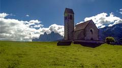 La cappella di St Jacob in Val di Funes (giorgiorodano46) Tags: agosto2004 august 2004 giorgiodano valdifunes funes altoadige sudtirolo italy