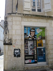 Corto Maltese à Angoulême (16) (Yvette G.) Tags: cortomaltese hugopratt bandedessinée angoulême charente nouvelleaquitaine poitoucharente 16