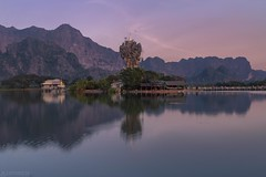 Evening mood at the lake - Kyaut Ka Latt Pagoda (Captures.ch) Tags: wolken clouds clear klar burma birma myanmar hpaan kyautkalattpagoda chanthargyibuddhatemple sonnenuntergang abend abenddämmerung dusk evening sunset