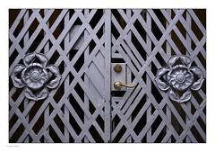 _8018640 mf copy 01 (Michael Fleischer) Tags: copenhagen city daylight moment building grey pattern door handle ornament sigma 50mm f14 art
