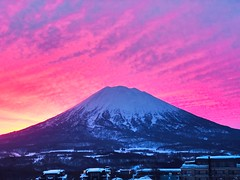 Mount Yotei at sunrise. Niseko, Japan (5ERG10) Tags: morning crimson silhouette hokkaido skiing japan mountyotei
