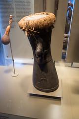 New Guinea jungle drum (quinet) Tags: 2017 amsterdam antik netherlands schnitzerei tropenmuseum ancien antique carving museum musée sculpture