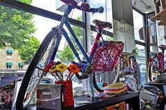 Crocheted Bike (AntyDiluvian) Tags: gothenburg sweden swedish avenyn avenue yarnshop yarn crochet crochetcovered bike window