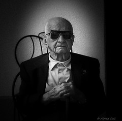 Un Gran Senor (Alfredo Rafael) Tags: veteran decorated battle bulge infinitexposure