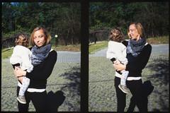 _RAK9709 (Daniele Pisani) Tags: olympus pen velvia50 costanza susanna baby sitter neve cani lea dylan macchina giardino half frame