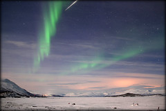 """I wish for this night time to last for a lifetime"" (Abisko, Sweden) (armxesde) Tags: pentax ricoh k3 schweden sweden abisko norrbotten lappland lapland polarlights northernlights nordlichter polarlichter auroraborealis green grün snow schnee winter nacht night himmel sky torneträsk lake see frozen gefroren wolke cloud berg mountain sternschnuppen shootingstar meteor stars sterne"
