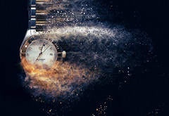 Time is an illusion.~Albert Einstein~ (Lorrainemorris) Tags: explosion lorrainemorris tag pop silver diamonds gold sony7rm2 colours art artistic creativephotography sony time watch