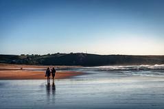 Paseando por la playa (ccc.39) Tags: asturias xagó gozón mar cantábrico playa arena agua sea sand sunset beach orilla caminando