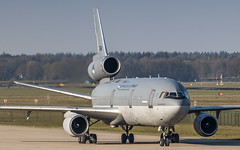 RNLAF KDC-10 ready for another day of EART 2019 (Nicky Boogaard) Tags: eart2019 eart europeanairrefuelingtraining europeanairrefuelingtraining2019 eindhoven ehv eheh military militaryaviation tankeraircraft tanker eindhovenairport eindhovenairbase rnlaf royalnetherlandsairforce koninklijkeluchtmacht dc10 kdc10 t264 phmbt