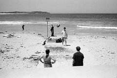 at the beach, Sydney summer 2019  #124 (lynnb's snaps) Tags: 35mm deewhy ilfordhp5 leicacl mrokkor40mmf2 xtol bw beach film 2019 sydney australia summer coast people rangefinderphotography leicafilmphotography kodakxtoldeveloper ball playing