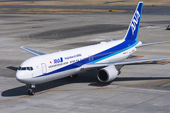 All Nippon Airways, Boeing 767-381(ER), JA608A. (M. Leith Photography) Tags: tokyo haneda airport japan boeing 767 jet airliner mark leith photography nikon d7200 70200vrii 200500mm nikkor flying hnd taxiing runway aviation sunny air ana all nippon airways