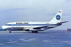 "Pan Am Boeing 737-297 N70724 ""Clipper Spreeathen"" FRA 17-09-88 (Axel J.) Tags: panam panamericaninternationalairways boeing 737 n70724 clipperspreeathen fra frankfurt rheinmain eddf fraport luftfahrt fluggesellschaft flughafen flugplatz aircraft aeroplane aviation airline airport airfield 飞机 vliegtuig 飛機 飛行機 비행기 авиация самолет תְעוּפָה hàngkhông avion luchtvaart luchthaven avião aeropuerto aviación aviação aviones jet linienflugzeug vorfeld apron taxiway rollweg runway startbahn landebahn outdoor planespotter planespotting spotter spotting fracht freight cargo"
