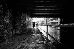 Incoming (stephen cosh) Tags: analogue blackandwhite candid delta400 film ilfordddx leica35mmsummicron leicam7 london monochrome stephencosh street streetphotography england unitedkingdom gb