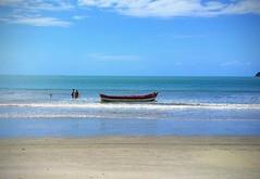 (dirceu1507) Tags: barcos balneáriocamboriú boat barche barco praia beach playa spiaggia santacatarina