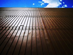 I never get tired of a blue sky. (Vincent van Gogh) (VauGio) Tags: tetto roof cielo sky luce light huawei leica leicalens p10