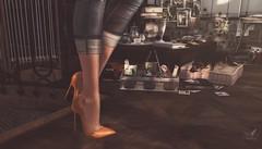 tip toeing through days past.. (ravenwings resident) Tags: 8f8 applefall bygone etnia floorplan gos hive jian nutmeg serenitystyle theliaisoncollaborative tresblah uber zerkalo