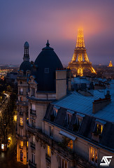 La tête dans les nuages (A.G. Photographe) Tags: anto antoxiii xiii ag agphotographe paris parisien parisian france french français europe capitale d850 nikon sigma 24105 toureiffel eiffeltower passy brouillard lesinvalides