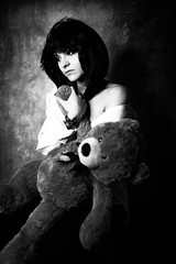 Evy & Teddy (Jacopo Tassinari) Tags: girl monochrome beauty model noir teddy moody portrait bokeh melancholy