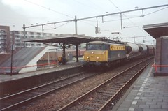 NS 1142 with Lime Train at Beverwijk, the Netherlands , January ? 1994 (Treinemanke) Tags: ns 1142 limetrain beverwijk the netherlands january 1994 oldbox photo