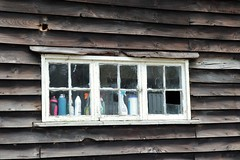 Pleeeeeese clean me ! (phileveratt) Tags: windowwednesdays windowwednesday window hww canon eos77d efs18135