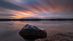 Hackelboö (jarnasen) Tags: fujifilm xt20 xf1024mmf4 wideangle tripod longexposure landscape le nisi ndfilter nd1000 rock järnlunden sweden sverige scandinavia sky clouds movingclouds evening dusk sunset ice nordiclandscape copyright järnåsen jarnasen geo geotag swedish calm atmosphere mood