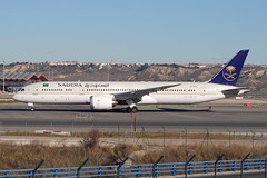 HZ-AR13 Boeing 787-9 Saudia (eigjb) Tags: lemd madrid barajas airport aeropuerto international jet transport airliner aircraft airplane plane spotting spain espana 2019 hzar13 boeing 7879 saudia dreamliner b787 787 saudi arabian airlines