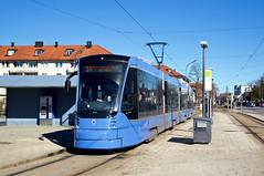 Avenio an der östlichen Endhaltestelle der Ersatztram 31: T1-Wagen 2808 steht an der St.-Veit-Straße (Bild: Andy Paula) (Frederik Buchleitner) Tags: 2808 avenio baustellenlinie ersatztram linie31 munich münchen siemens strasenbahn streetcar twagen t1 tram trambahn