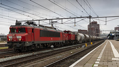 DB Cargo 1611 with a Dolomite train (Nicky Boogaard) Tags: amersfoort station amersfoortcs thenetherlands holland amf nederland nederlandsespoorwegen railway dmrailroad dmrailway diversemedia railfan railfanning bahnbilder db1611 db dbcargo 1611