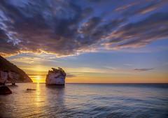 Alba quieta (Gio_guarda_le_stelle) Tags: seascape sunrise italy i 4 sea seaside clouds sky gargano light sunbeam sun rising quiete atmosphere italia puglia apuliam mare water waves nuvole