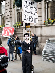 Mime (Nigel_G) Tags: brexit peoplesmarch2019 mime artist sign placard
