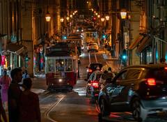 Lisboa (Ni1050) Tags: lisbon carreira portugal lisboa lissabon sony ilce7rm2 ninis ninicrew fe a7rm2 a7rii a7r2 ni1050 urlaub holidays vacation hauptstadt capital 2018 sommer summer städtetour city trip fe24240mmf3563oss nacht night lights lichter strasenbahn gleise schienen rails carris tram carreira28edoselétricosdelisboa linha28 linie28 line28 nuit notte noche gleisverschlingung gauntlettrack gantlettrack trem noite lightroom lr streets scene strassenszene people menschen touristen tourists