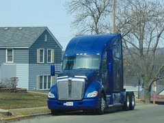 Big Blue...HTT (novice09) Tags: truckthursday truck tractor kw kenworth ipiccy