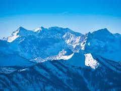 Karwendelblick (bayernphoto) Tags: bayern bavaria winter alpen schnee eis sonnig warm kalt brauneck fernblick weitblick view oberbayern ski fahren schi huette sport wintersport skiing downhill berg mountain alpine birkkarspitze karwendel ödkarspitze tief verschneit