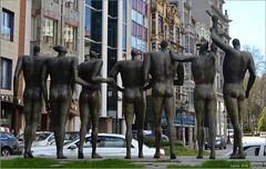 Monumento a la concordia - Oviedo (Luisa Gila Merino) Tags: oviedo monumento estatua asturias ciudad urbana