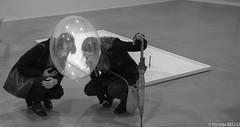 Palais de Tokyo Paris (belzebello) Tags: sony lumiere luminosite art noiretblanc luminosity light france sculpture blackandwhite expo baw paris