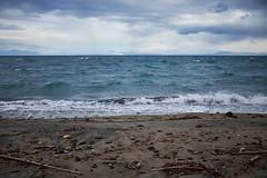 Ultimo dell'anno (rafpas82) Tags: ischia mare maredinverno maremosso mareagitato nuvole nuvoloso cloudy clouds sea mediterraneansea mediterraneo detriti plastica onde waves wind sabbia pietre minimalist landscape italy fundera spiaggia beach fuji fujinon x100t fujifilmx100t