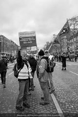 Manifestation-des-Gilets-Jaunes-Acte-XVIII-Paris-16-mars-2019 (0038) © Olivier Roberjot (Olivier R) Tags: gilet jaunes jaune giletsjaunes giletjaune paris fouquets champselysées etoile mouvementssociaux justice justicesociale contestation manifestation manifestationdesgiletsjaunes paris16mars 16mars2019 vest yellow vests star socialmovements socialjustice protest demonstration demonstrationofyellowvests 16march2019 macron castaner
