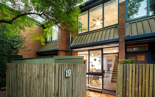 19 Laura Pl, Fitzroy North VIC 3068