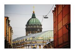 the lamp and the church (Armin Fuchs) Tags: arminfuchs stpetersburg russia church lamp gutter kasanerkathedrale каза́нскийкафедра́льныйсобо́р jazzinbaggies gostinydwor