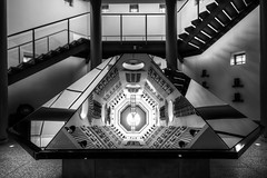 Hall of Steel (Derwisz) Tags: royalarmouries museum leeds hallofsteel mirror symmetry perspective reflections reflection monochrome blackwhite blackandwhite highdynamicrange hdr canon westyorkshire yorkshire england unitedkingdom uk canoneos40d