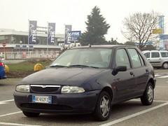Mazda 121 1.2i 16v LX 1999 (LorenzoSSC) Tags: mazda 121 12i 16v lx 5porte 1999