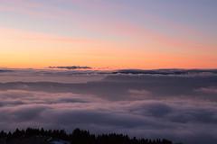 nuages et coucher de soleil (Joëlle Galley) Tags: montagne panorama alpes merdenuages coucherdesoleil hautesavoie semnoz