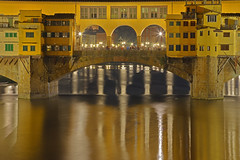 Ponte stellato / Starry bridge (Florence, Tuscany, Italy) (AndreaPucci) Tags: pontevecchio flore firenze toscana tuscany italy italia night river arno andreapucci
