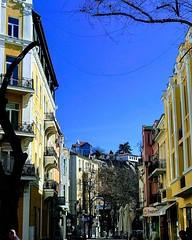 Слънчево ни е... • • • • #plovdiv2019 #plovdiv #sun #sunnyday #spring #bluesky #buildings #hometown (Smokini) Tags: smokini restaurant plovdiv ресторант пловдив vegetarian glutenfree vegan вегетариански веган