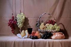 IMG_6184B Sosuke Morimoto  Fruits. A banquet of fruit 2001 Barcelone Musée Européen d'Art Moderne.(MEAM) Exposition temporaire sur le réalisme japonais contemporain (Hoki Museum) (jean louis mazieres) Tags: peintres peintures painting musée museum museo espagne spain espana barcelone barcelona museueuropeudartmodern meam