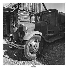 - The Water Truck - (claudiov958) Tags: arizona biancoenero blancoynegro claudiovaldés černýabílý film ghoasttown hp5plus ilfosol3 noiretblanc pretoebranco rollei6008 truck watertruck blackwhite czarnyibiały mediumformat schwarzundweiss черноеибелое rolleipqdistagon50mmf4hft