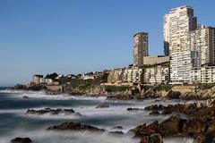Vista en el camino costero Reñaca-Concon (hurtadophotosf12) Tags: longexposure sea building concon reñaca mar viñadelmar paisaje ciudad