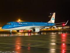 KLM Cityhopper PH-EZN HAJ at Night (U. Heinze) Tags: aircraft airlines airways airplane planespotting plane flugzeug night nightshot haj hannoverlangenhagenairporthaj eddv olympus 12100mm