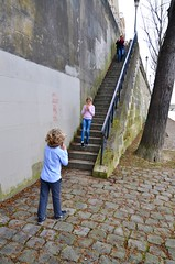 Heading Down To The River (Joe Shlabotnik) Tags: proudparents violet everett stairs paris sue april2018 france 2018 afsdxvrzoomnikkor18105mmf3556ged